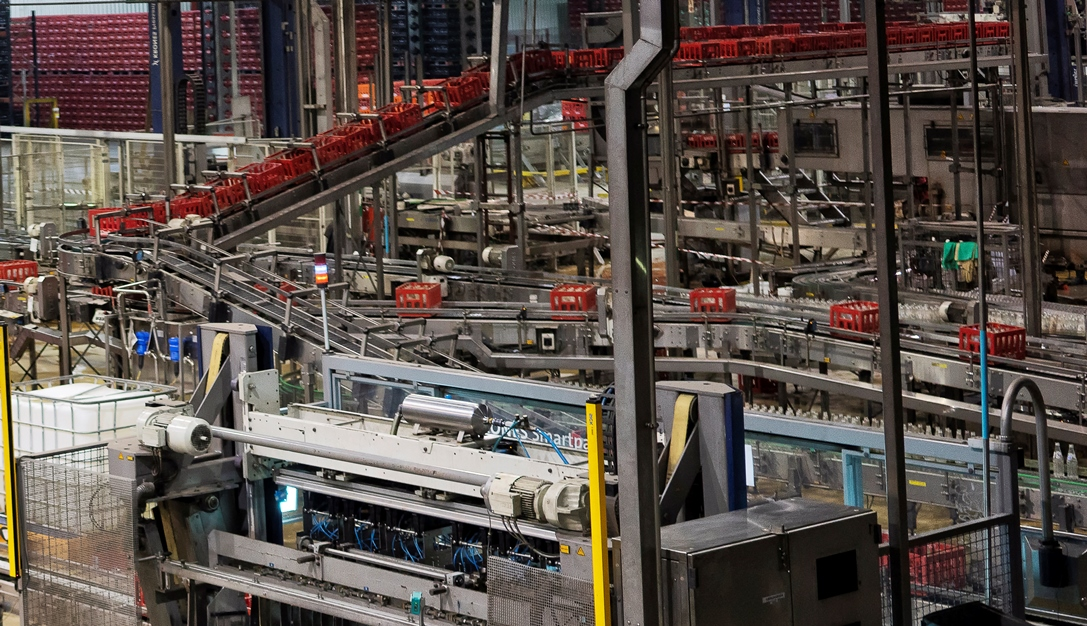 Современные конвейерные линии на производстве